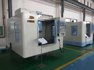 Hot Sale Univeral Vertical CNC Milling Machine with Strict Quality Control (HV-900) pictures & photos