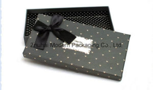Creative Simple Gift Paper Packaging Box with Ribbon pictures & photos
