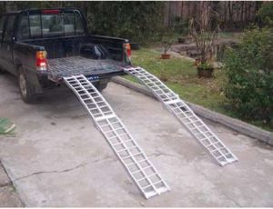 Arched Aluminum Ramp-Foldable Serrated Rungs (PR10319) pictures & photos