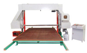 Xpq-1650/2150 Auto Horizontal Foam Cutting Equipment pictures & photos