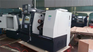 HTC32 CNC Lathe Machine Tool with Slant Bed pictures & photos