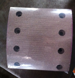 Str Rear Brake Lining Top Quality Red Material with Rivet pictures & photos