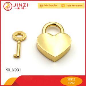 Eco-Friendly Zinc Alloy Heart Shape Charm Pendant for Jewelry pictures & photos