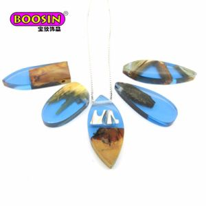 Hot Sale Handmade Epoxy Wooden Charm Jewelry Necklace pictures & photos