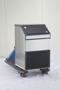 200kg Stainless Steel Ice Cube Maker pictures & photos