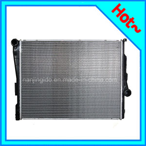 Automobile Aluminium Radiator for BMW 9071517 pictures & photos