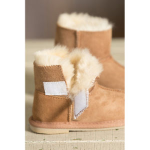 Infant Sheepskin Booties Toddler Baby Booties pictures & photos