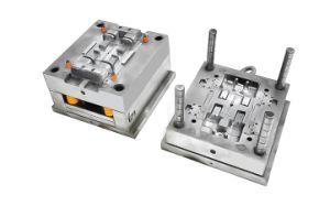 2017 China New Design High Quality Plastic Injection Mould pictures & photos
