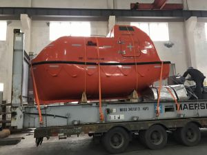 5.0m 16persons Totally Enclosed Fiberglass Life Boat Rescue Boat pictures & photos
