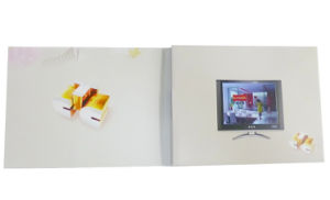 2017 Hot Sale OEM LCD Screen Video Greeting Card pictures & photos