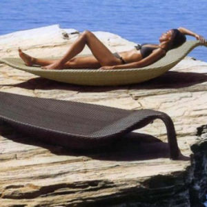 Rattan/Wicker Leaf Shape Outdoor Garden Patio Furniture Beach Swimming Pool Lounge Lying Bed Sunbed Daybed pictures & photos