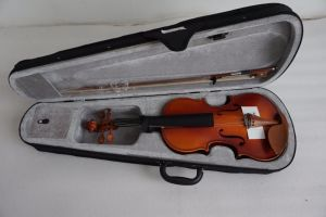 Wholesale Discount Cheap Solid Student Violin pictures & photos