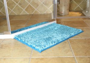 High Pile Polyester Shiny Bathroom Door Mat with Anti Slip Base pictures & photos