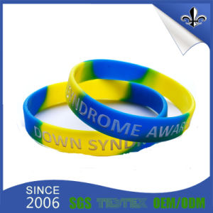 2017 Cheap Custom Deesign Silicone Wristband pictures & photos