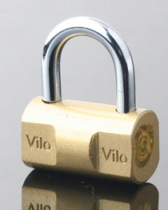 Brass Painted/Chrome Plated Hammer Iron Padlock pictures & photos