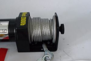 ATV 4WD 12V/24V DC Electric Winch with 2000lb Load Capacity pictures & photos