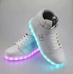2016 Hot Sale Casual LED Shoes Breathable Woman Shoes Light Lace up pictures & photos