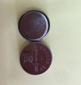 Non-Rechargeable Cr2032 3V 210mAh Lithium Button Cell Primary Battery pictures & photos