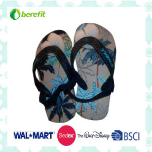 Children′s Sandals with PVC Straps and PE Sole pictures & photos