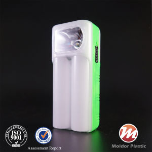 Hand Crank Solar/Battery Portable LED Torch Flashlight pictures & photos