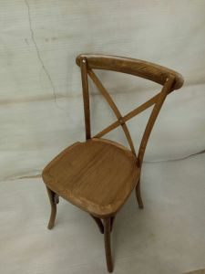 Vintage French Style Restaurant Cross Back Wood Chair pictures & photos