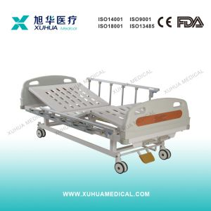 Two Positions Manual Hospital Ward Bed (XHS20B) pictures & photos