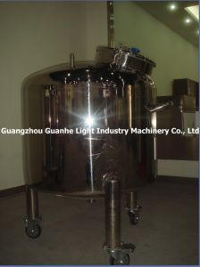 Sanitary Liquid Insulated Tank (with heating & castors) pictures & photos