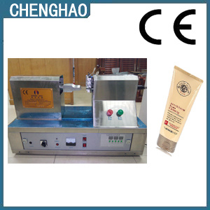 Ultrasonic Toothpaste Soft Tube Sealing and Cutting Machine pictures & photos