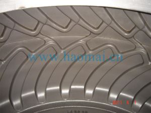 China Industrial & Agricultural Tire Mold pictures & photos