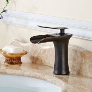 Oil Rubbed Bronze Bathroom Sink Faucet pictures & photos