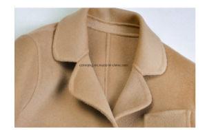 Khaki Woman′s Woolen Dust Coat pictures & photos