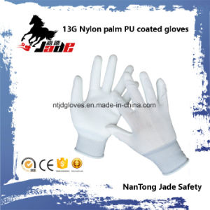 13G Polyester Palm PU Coated Cheap Glove En 388 4131 pictures & photos