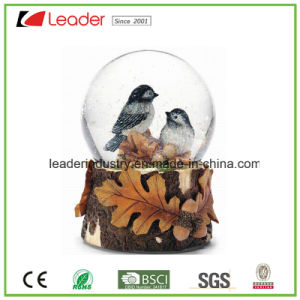 Decorative Polyresin Customized Snow Globe for Home Decoration and Promotional Gifts pictures & photos