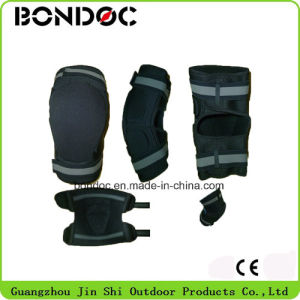 High Quality Self Heating Knee Pad pictures & photos