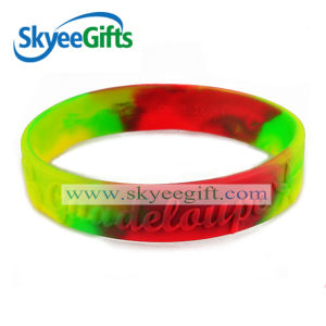 Hot Selling Eco-Friendly Silicone Wristband pictures & photos