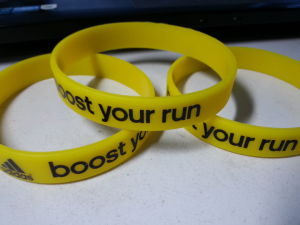 Custom Silicone Wristband Promotional Gift Silicone Bracelet pictures & photos