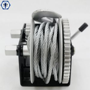 3 Speed Hand Winch with Cable 1000kg Capacity pictures & photos