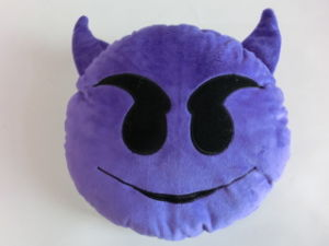 Popular Fashion Plush Cute Emoji Pillow Cushion pictures & photos