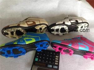 OEM Women Soccer Shoes Football Shoes Wholesale (FFSC1110-02) pictures & photos