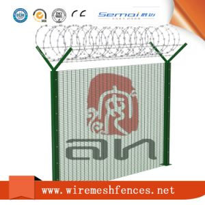358 High Security Welded Mesh Airport Fencing pictures & photos