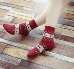 Christmas Snowflake Deer Design Womens Warm Winter Cute Comfortable Wool Socks (C-8) pictures & photos