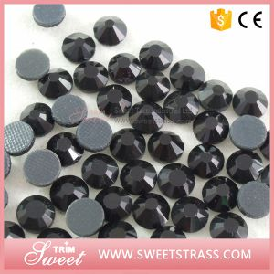 Bulk Selling DMC Quality Rhinestone Hot Fix Beads Crystal pictures & photos