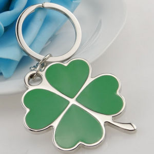 Lucky Customized Green Color Four Leaf Clover Key Chain (F1342) pictures & photos