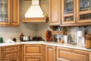 Light Wood Kitchen Cabinet (lw13) pictures & photos