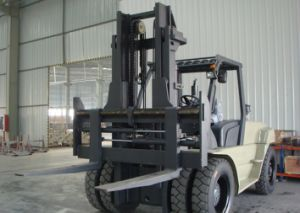 Un 9.0t Diesel Forklift with Original Isuzu Engine with Duplex 4.5m Mast pictures & photos