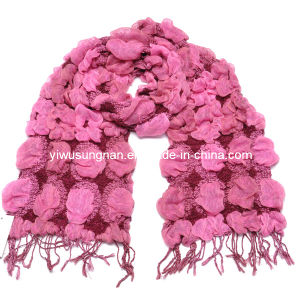 Lady′s Fashion Pink Winter Warm Chunky Ruffle Bubble Scarfs pictures & photos