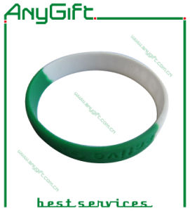 Silicon Wristband with Customized Logo and Color pictures & photos