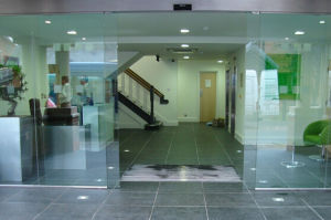 Low Prce Automatic Sliding Doors with CE (DS100) pictures & photos