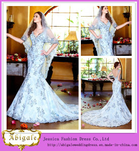 Charming Hot Sale Floor Length Mermaid V-Neck Button Back Royal Blue and White Wedding Dress (WD21) pictures & photos