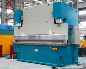 Hydraulic Press Brake CNC Bending Machine Pbh-600t/5000 pictures & photos